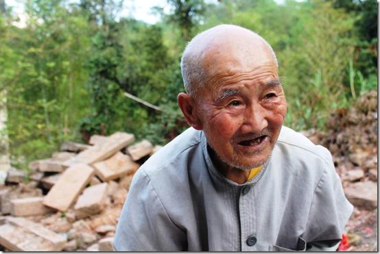 уборщик из монастыря Тянь Синь